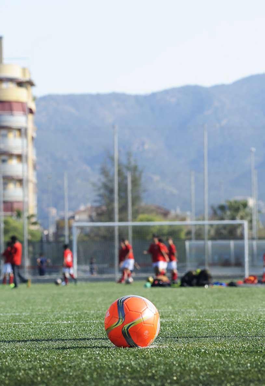 Campos de fútbol hechos con caucho SBR