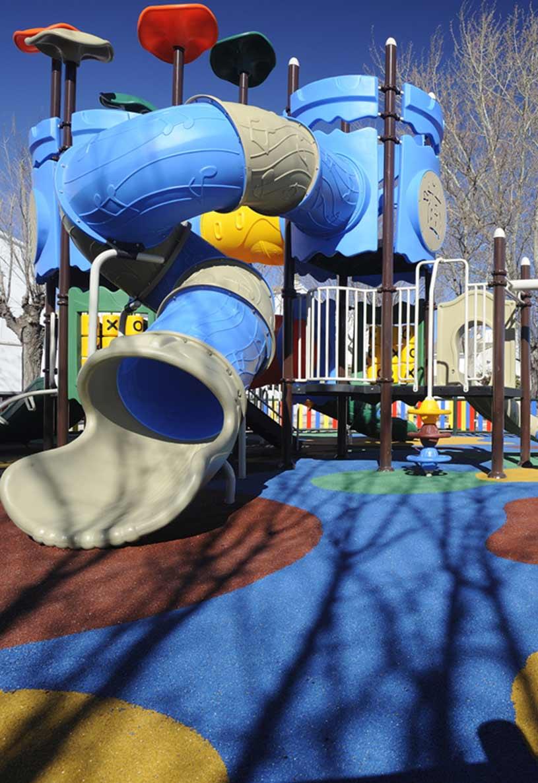 Parques infantiles realizados con encapsulado SBR